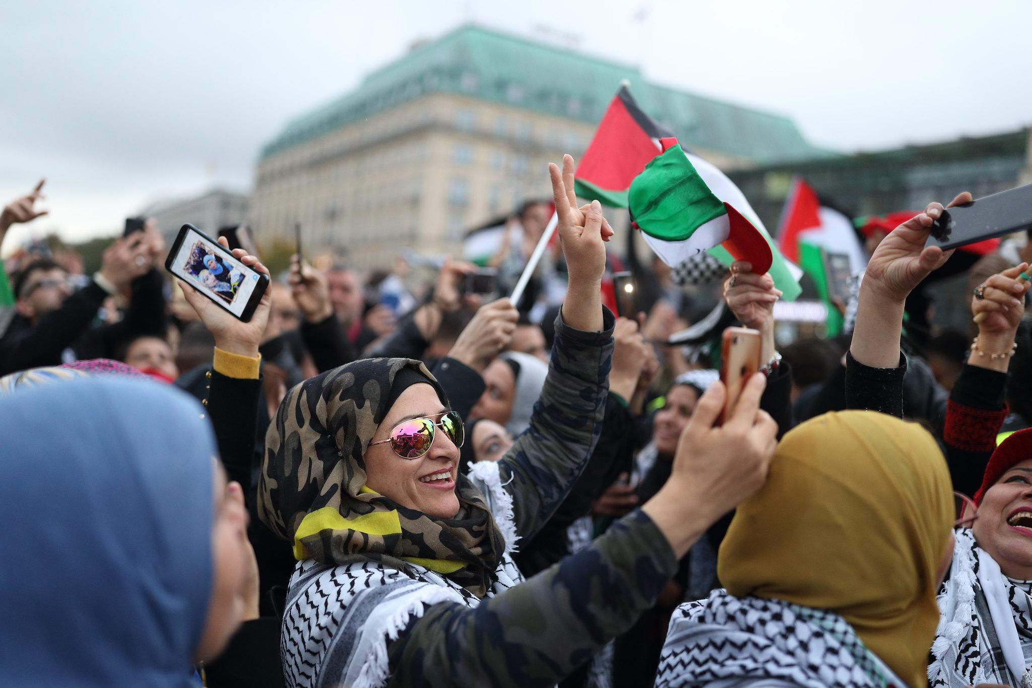 Proteste vor dem Brandenburger Tor