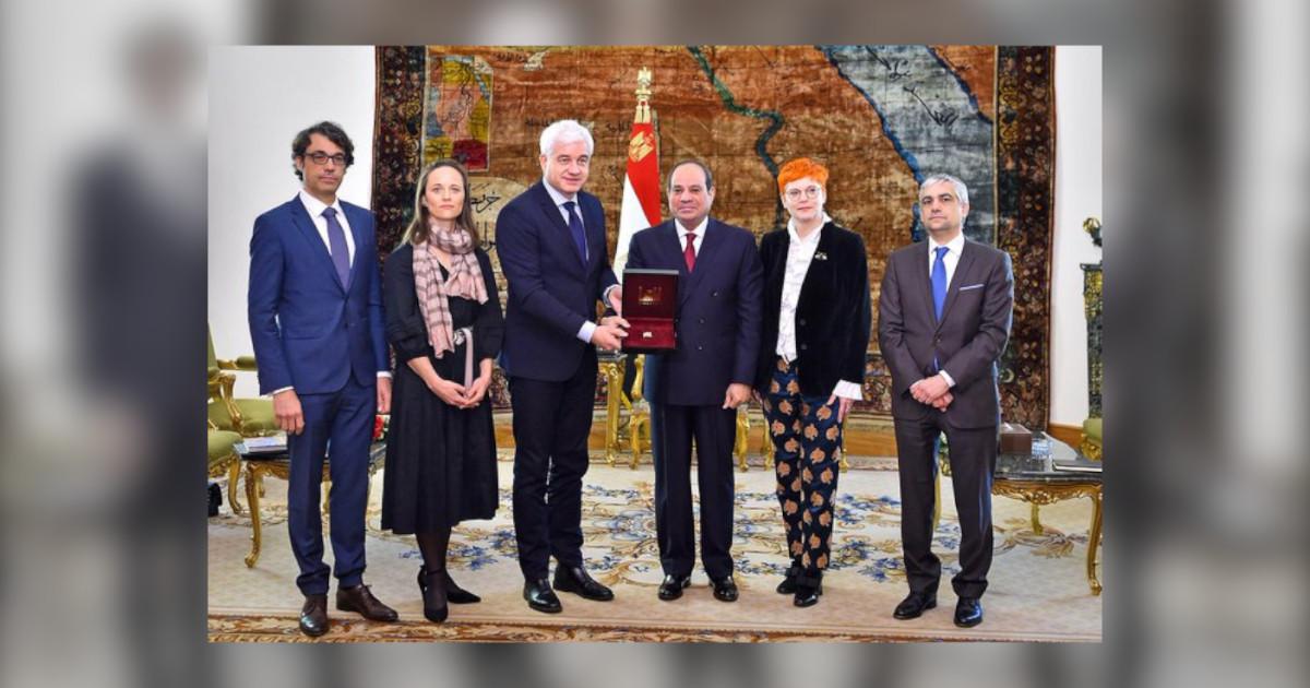 von rechts Katrin Koch neben Präsident Abd al-Fattah as-Sisi